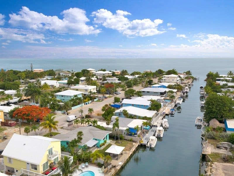 Marathon waterfront vacation rental with large boat dock
